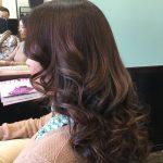 40代〜50代でも立体的なヘアカラーで奥行きのある綺麗髪になります。